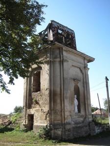 Dzwonnica kościoła w Michalczach. Tragedia księży z parafii we Wróblowicach