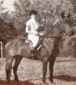 WLKS Krakus sekcja jeździecka. Historia sekcji jeździeckiej klubu WLKS Krakus