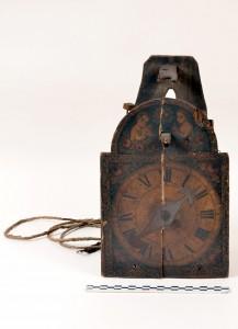 Zegar drewniany. Witold Wesołowski Człowiek w sieci czasu