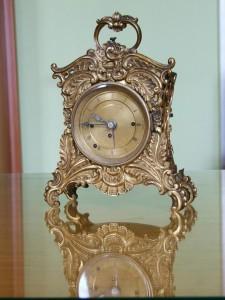 Witold Wesołowski Człowiek w sieci czasu. Zegar podróżny stylizowany na pałacowy