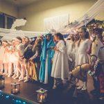 Kiermasz Bożonarodzeniowy i Jasełka 2016 w SP nr 43 / fot. BC