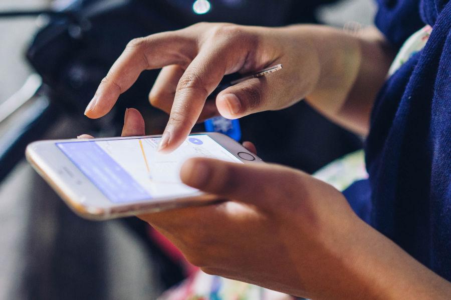 Ułatwienie dla podróżnych - bilet okresowy KMK w smartfonie